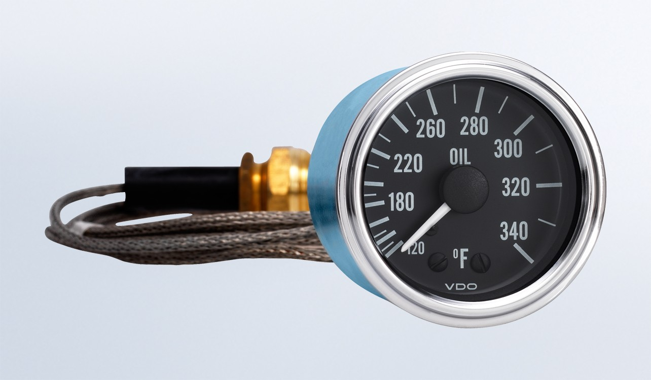 Series 1 340°F Oil Temperature Gauge with 144