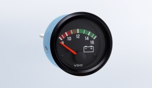 Cockpit International 12V Voltmeter, M4 Stud Connection