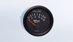 "Cockpit International 1000 kPa Oil Pressure Gauge, Use with VDO Sender, .250"" Spade Connection"