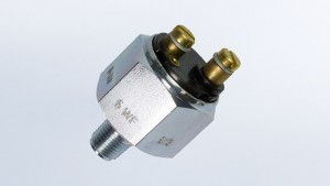 Pressure Switch, 14.5 PSI/1 bar, Contact Closes as Pressure Falls, Floating Ground  M10x1